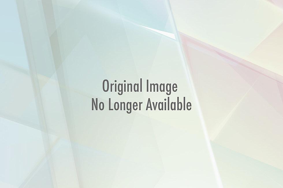 http://wac.450f.edgecastcdn.net/80450F/kekbfm.com/files/2013/04/macgyver-463x630.jpg
